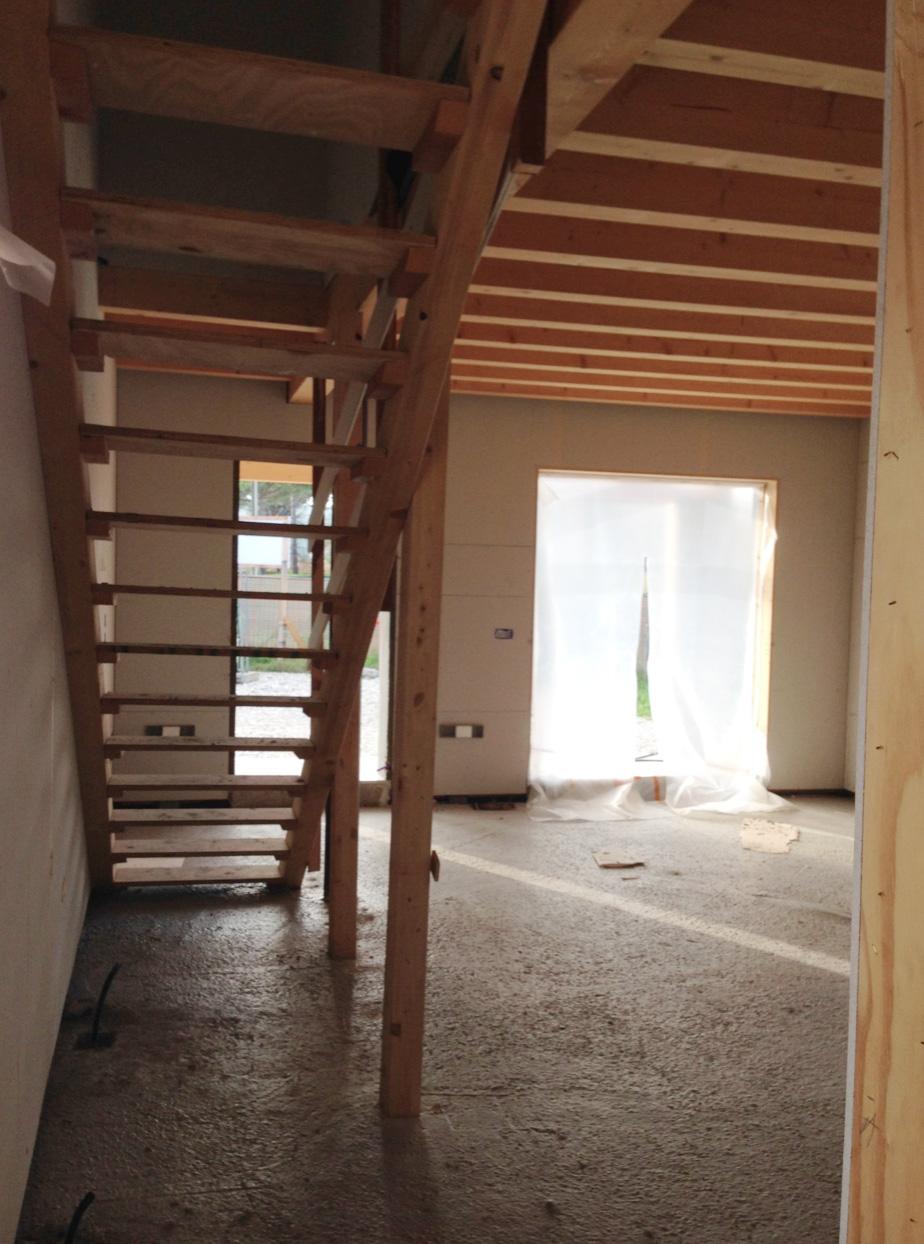 interno casa di legno a telaio
