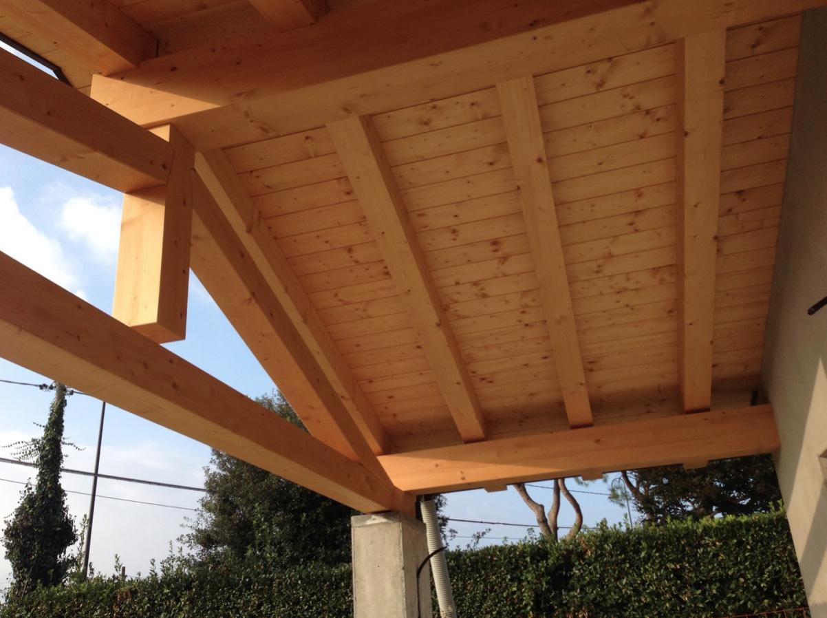 costruzione in legno a telaio