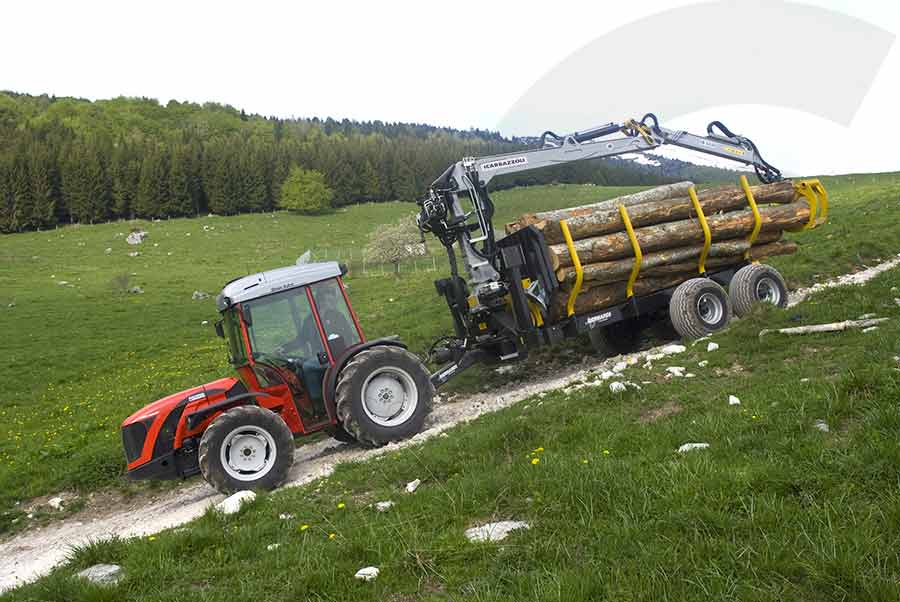 trasporto legname con macchina forestale