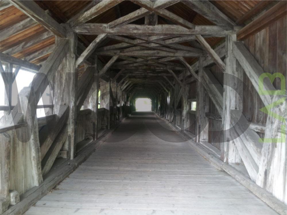 ingresso ponte di legno
