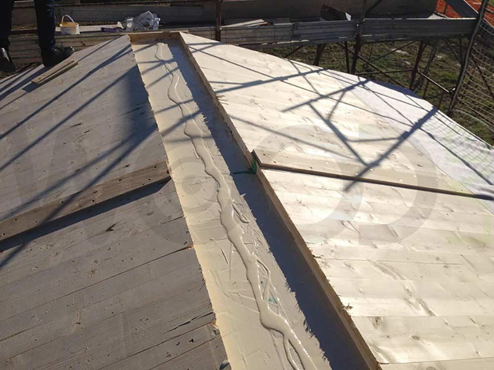 tetto di casa in legno